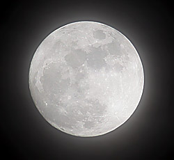 photo of a full moon by Lang Elliott